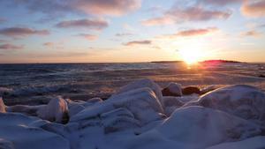 Carl Hedlund tror inte att det blir is hela vägen ut till Agön den här vintern.