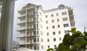 Den andra huset ska vara klart för inflyttning i slutet av året.