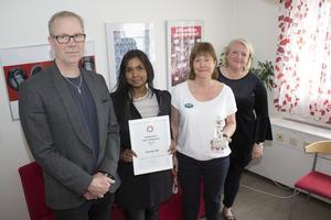 Ulf Mårdberg, Bodil forsgren, Anna-Karin Hedrén och Lena Malm i väntrummet på Norrtälje ungdomsmottagning.