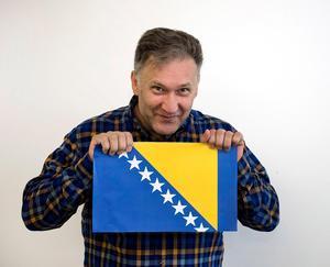 Bland är det engagemanget i mångfaldsfrågor som ger Iso Porovic priset. Här har han skrivit en krönika om hur han flydde till Sverige från Bosnien för många år sedan.