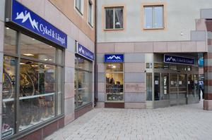 Cykel- och längdspecialisten ligger vid Slaggatan, ett 50-tal meter från Stora torget.
