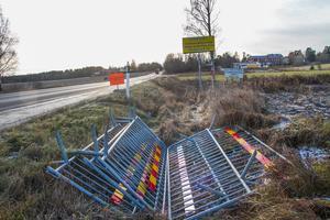 På måndag startar bygget av ny bro över Sannavägen och trafiken stängs av och leds om via Bergsjövägen.