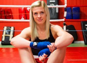 På lördagen åker Love Holgersson till Indien för att boxas i VM.
