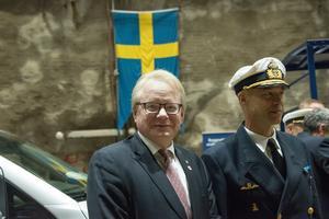 Försvarsminister Hultqvist och konteramiral Jens Nykvist  kom till bergrummet i ett specialbyggt tåg.