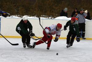 Hede var steget före hela tiden och vann rättvist premiärmatchen i Vemhåns nya rink.