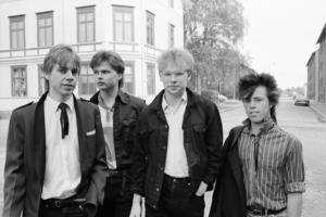 Pinballs från Kilafors är med på skivan. Längst till vänster syns Björn Hanérus, GD-reporter och då frontman i Pinballs. Bild: Henrik Lang.
