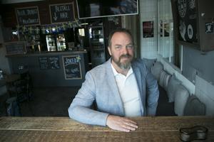 Thomas Cederblad driver Bar and Burger tillsammans med sin hustru Rose-Marie Englund Cederblad.