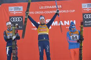 Marcus Hellner, Calle Halfvarsson och Sergey Ustiugov på pallen efter jaktstarten i Lillehammer för  tre år sedan.