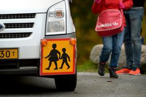 Att höja kraven för vilka som ska vara berättigade till skolskjuts i Ber gär inget som Lars Andersson, V, tror ger effekter för folkhälsan.
