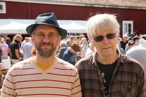 Anders Nyman och Mats Sundström har båda hittat prylar de är lite extra intresserade av.