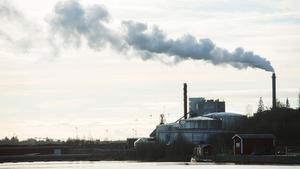 Vi har 27 år på oss att uppnå riksdagens mål om att utsläppen av växthusgaser i Sverige ska minska med minst 85 procent till år 2045, skriver debattörerna. Bild: Fredrik Sandberg/TT