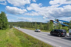 För att minimera problemen i Trafikplats Odenskog bör man, enligt en studie, överväga att bygga en ny förbättrad tillfart från Stuguvägen till handelsområdet Lillänge/Odenskog.