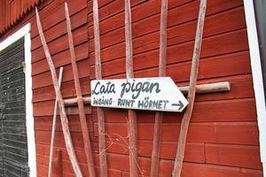 Lata Pigan ligger i Vela utanför Enköping.