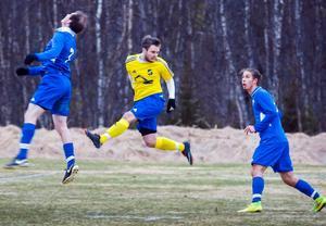 Lillhärdal vann sin grupp enkelt och är nu klara för kvartsfinal i fotbolls-DM.