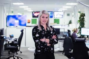 Sofia Forell är redaktör på vår nattdesk och ser till att hålla dig uppdaterad även under dygnets mörkaste timmar. Foto: Mats Olsson