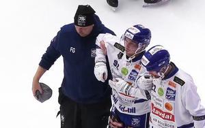 Petter Björling tvingades bryta semifinalen med en befarad knäskada. Bild: Staylive.