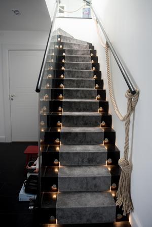 Familjen Forsberg/Nordin bor på 380 kvadrat i en etagevåning på Birger Jarlsgatan i centrala Stockholm.