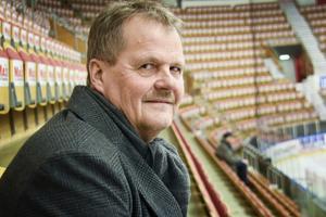 Lars Backlund, ordförande Timrå IK, på plats i  NHK Arena.