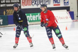 Mattias Hammarström och Simon Jansson laddar för fredagens hemmapremiär – som sänds på bandypuls – mot Broberg. Det brukar ha förutsättningar bli ganska fartfyllda derbyn.