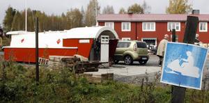 Här är bensinstationen som invigdes i oktober 2009 . En liknande konstruktion är på gång i Lingbo. Bild: Arkiv