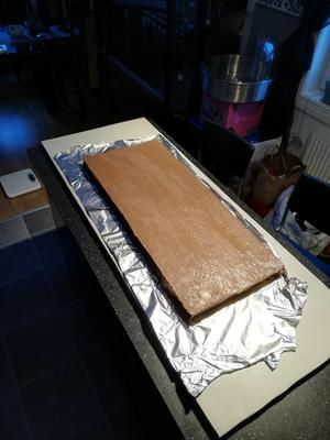 Världens största kexchoklad tillverkad i Bergby. Fyllningen är nutella och smörgåsrån. Bild: Veronica Berggren
