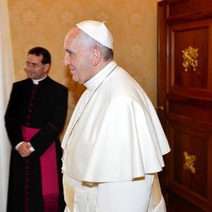 Påven Franciskus varna för att den förtvivlan som föds ur fattigdom och frustration kan skapa terror.