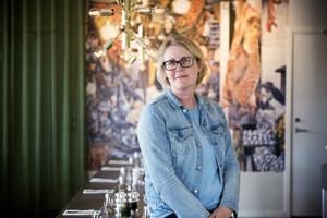 Jennie Saporito gläds över restaurangförtätningen i Örnsköldsviks hamn. Foto: Jennie Johansson