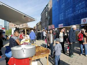 Det fanns mycket att välja bland: kantareller, thailändskt, engelsk fudge, tyska korvar eller lokala delikatesser och hantverk.