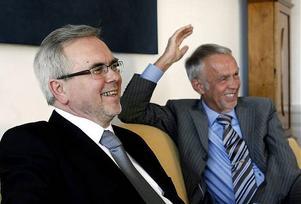 Generaldirektör Greger Bååth och landshövding Gerhard Larsson ser fram emot etableringen av den nya skolmyndigheten i Härnösand.