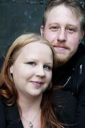 12-12-12 klockan 12 gifter sig paret Marie-Louise Könberg och Mikael Johansson som är bosatta i Falun. Vigseln sker i Stora Kopparbergs kyrka.