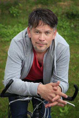 Ruben Heijloo flyttade från Amsterdam till Jämtland 2011. I Nederländerna jobbade han som kreativ producent på en av landets största filmfestivaler.