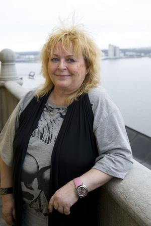 """PERSONLIGT. Kikki Danielsson är efter 18 år tillbaka med en ny soloskiva. Låtarna är skrivna av Sören """"Sulo"""" Karlsson."""