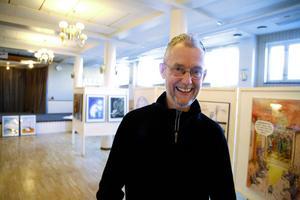 Sveriges vassaste politiske tecknare Robert Nyberg har för första gången en egen utställning i Hammerdal.