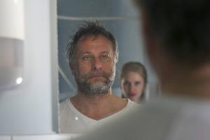 Michael Nyqvist spelar självupptagen skådespelande pappa till Vera Vitalis Malin i Ulf Malmros mycket rörande drama