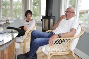 Inga–Lill och Agne Blomqvist som tycker att de är ganska lugna föräldrar när de tittar på Jacobs matcher – även fast det alltid är lite nervöst.