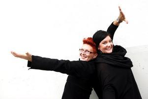 Talanger. Sara Kreft och Amanda Holmgren ångar vidare i True Talent.