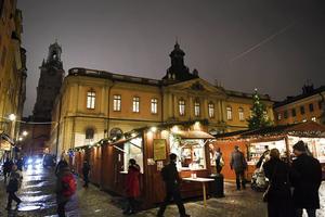 Tycker man julmarknaden i Gamla Stan är mysig är man uppenbart helt ute.