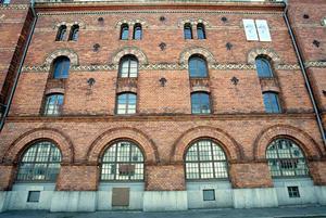 Gevalias k-märkta kontorsbyggnads 186 fönster renoverades 2003.