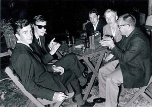Torpet tidigt 60-tal, från vänster: Okänd, Rune Nilsson, Christer Fredriksson, Bengt Lindström och Hadar Wilhelmsson. Foto: Privat