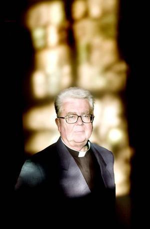 Nu är det dags att leva ett friare liv konstaterar kyrkoherde Anders Lindgren som nu gått i pension och börjar det nya livet med att läsa grekiska på Cypern.