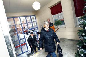 STORSTADSBESÖK. Lena Pettersson från Hofors var en av de första gästerna på Arbetarbladets öppna hus på söndagen.