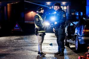 Hasan Mourtada och polisen Marcus Royal.
