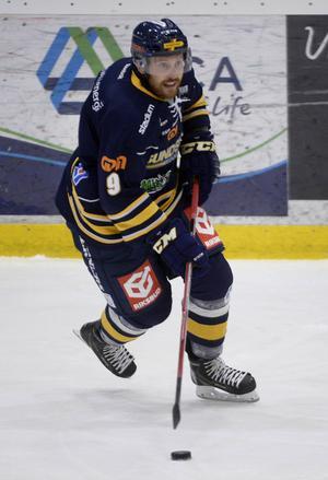 Eric Moe är tillbaka i full träning för Sundsvall Hockey.