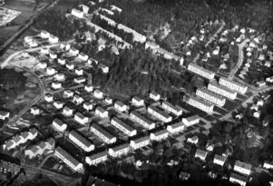 Flygfoto över Haga Parkgata 1945. Ett av hyreshusen blir filosofen Torbjörn Tännsjös första hem.