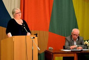 - Vi har inte råd att ha kvar skolan, sa Siw Lunander (S), ordförande i kultur- och utbildningsnämnden.Foto: Samuel Borg