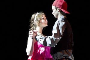 Kärleken är evig, även när klass 9C ger ett smakprov från West Side Story.
