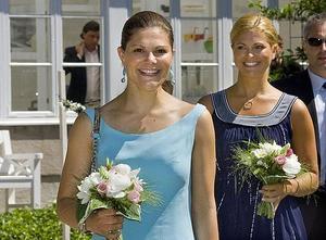 Systrar i giftastagen. Prinsessan Madeleine och kronprinsessan Victoria har båda förlovat sig inom loppet av några månader.