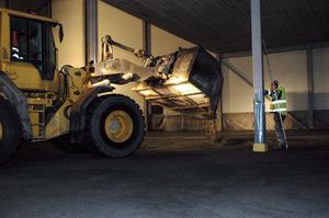 Golvet gjutet. Under veckan som gått har nästan 7000 kvadratmeter golv gjutits in i bryggeriets nya lager. Det innebär att bryggeriet kan ta delar av lagret i bruk under nästa vecka.