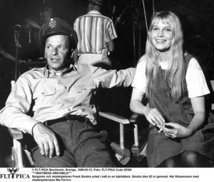 Frank Sinatra gifte sig med Mia Farrow då hon var tjugo och han femtio.