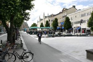 Arkivbild:Vill också ha. Först ville alla vara på Stortorget. Nu ska ingen vara där. I dag berättar vi historien om vad som hände med det stora torgbråket i Örebro.